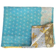 I think I'm in love with this happy little #kantha sari baby blanket, so cute! And a perfect gift for a newborn.