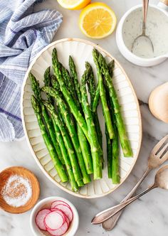 Oven Roasted Asparagus, Chicken Asparagus, Asparagus Recipe, Roasted Vegetables, Side Dish Recipes, Veggie Recipes, Real Food Recipes, Vegetarian Recipes, Side Dishes