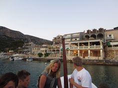 Taking the outboard/dinghy to the next restaurant onshore