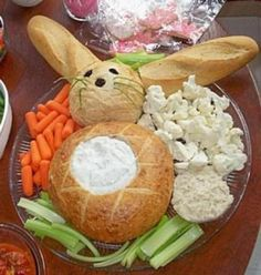 Easter bunny bread bowl and veggie tray. When you open this site just type in Easter bunny bread bowl for detailed instructions. Easter Dinner, Easter Table, Easter Brunch, Easter Party, Bunny Party, Easter Buffet, Easter Recipes, Holiday Recipes, Bunny Bread