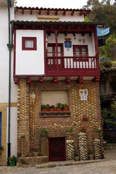 Casa de las Conchas en Tazones -Asturias-