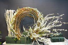 [인천꽃도매 시장 은성꽃도매상가 ] 2018년 4월 첫째주 성전꽃꽂이 -부활절/부활주일 : 네이버 블로그 Church Wedding Decorations, Altar Decorations, Flower Decorations, Large Flower Arrangements, Valentines Flowers, Church Flowers, Arte Floral, Flower Show, Floral Centerpieces