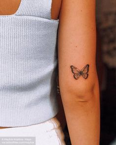 Butterfly tattoo on the back of the right arm. - Butterfly tattoo on the back of the right arm. Butterfly Tattoos On Arm, Simple Butterfly Tattoo, Butterfly Tattoo Meaning, Butterfly Tattoo Designs, Realistic Butterfly Tattoo, Monarch Butterfly Tattoo, Elbow Tattoos, Dope Tattoos, Mini Tattoos