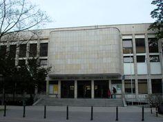 W 1861 roku w Warszawie powstał Instytut Muzyczny.
