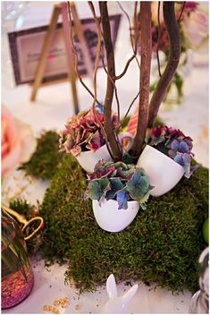 Alice in Wonderland wedding decorations    Image by Christophe Mortier Photographe