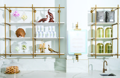 Brass hanging open shelving unit with stone shelves Stair Shelves, Gold Shelves, Glass Wall Shelves, Floating Glass Shelves, Glass Shelves Kitchen, Bookshelves, Glass Shelving Unit, Brass Shelving, Glass Cabinets