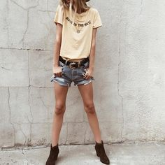 Mellow yellow in the {beau} tee