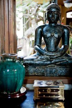 En Buddha figur i dit område for Selvindsigt kan være et symbol på åndelig indsigt og/eller din spirituelle udvikling.