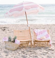 Pink Beach, Pink Summer, Beach Bum, Summer Beach, Summer Vibes, Summer Colors, Summer Fun, Beach Aesthetic, Beach Umbrella