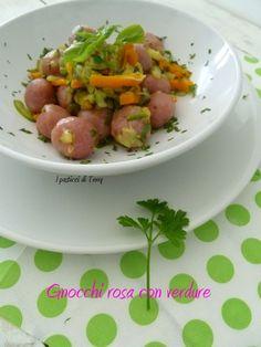 Oggi un piatto allegro e colorato, cos'è? Vieni a vedere http://www.ipasticciditerry.com/gnocchi-rosa-con-verdure/