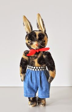 mohair, heritage, rabbit, handmade by jennifer murphy Jennifer Murphy, Year Of The Rabbit, Puppet Toys, Fabric Animals, Soft Sculpture, Sculptures, Bunny Plush, Cute Toys, Sewing Toys
