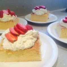 """Pastel de Tres Leches 