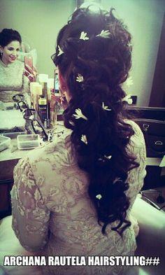 Elegance Hairdo Softly Tied Archanarautelahair