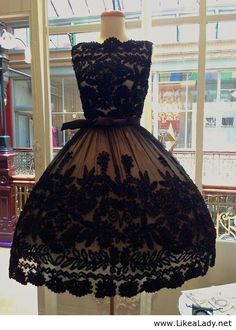 I need to have this, I don't know where I'm going, but I need this dress!!