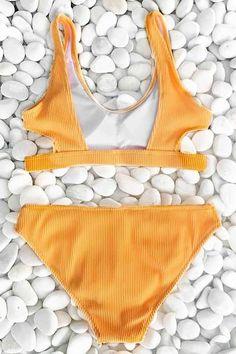 This bikini set is awesome for minimalist travel. Product Code: CYY1184 Details: Rib knit With padding bra Regular wash Fabric: 90% nylon,10% spandex Reference: