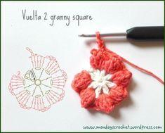 crochet Flower FREE Pattern and Video Tutorial Crochet Chart, Love Crochet, Crochet Motif, Diy Crochet, Crochet Stitches, Crochet Keychain, Crochet Bookmarks, Crochet Earrings, Crochet Flower Patterns
