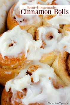 You will not believe how easy these Semi-Homemade Cinnamon Rolls are to make! Great for Christmas morning! You don't have to make a scratch made dough for these cinnamon rolls! They are really that easy to make. Sweet Breakfast, Breakfast Recipes, Dessert Recipes, Semi Homemade, Rolls Recipe, Recipe Using, Cinnamon Rolls, Food To Make, Easy Meals