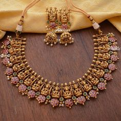 Antique Jewellery Designs, Fancy Jewellery, Gold Jewellery Design, Diamond Jewellery, Diamond Earrings, Diamond Necklaces, Antique Jewelry, Indian Jewelry Sets, Indian Wedding Jewelry