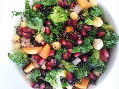 Broccoli, pomegranate, kale, carrot, chickpea, pear, tuna and quinoa