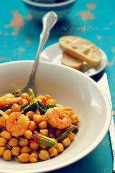¡Sano y de rechupete!: Garbanzos salteados con langostinos y trigueros (sautéed chickpeas with prawns and wild asparagus)