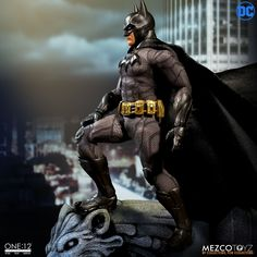 Mezco's One:12 Batman trilogy continues with Batman: Sovereign Knight. Now at the peak of his career, the Sovereign Knight is the Batman of the present day. This is Batman in his prime.