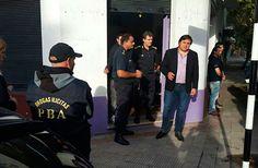 Estuvieron presentes el secretario de Seguridad Manino Iriart, el jefe de la policía comisario Sergio Gil y el jefe de Drogas Ilícitas Juan Lucero.     El local donde se encontraba la droga está ubicado frente al Instituto General San Martin (secundaria y primaria).