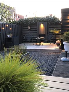 Small Backyard Patio, Backyard Patio Designs, Backyard Landscaping, Modern Backyard, Backyard Pergola, Pergola Designs, Pergola Ideas, Back Gardens, Outdoor Gardens