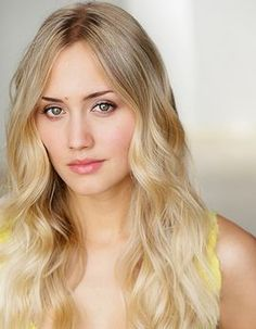 Naomi Kyle • M14 Host, The Daily Fix on IGN Entertainment - See more at: http://www.comic-con.org/wca/autographs#special