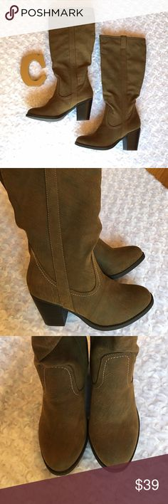 """BROWN CHUNKY TALL BOOTS Ooh La La cute brown chunky boots to throw on with denim and a scarf. 1 shade lighter stitching for contrast. Heel height 3"""". The color is neutral, so these will go with so much. Man made material. -No trades Shoes"""