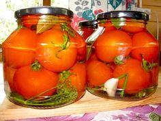 Этот рецепт мамы моей подруги. Теперь закрываю помидоры только так.