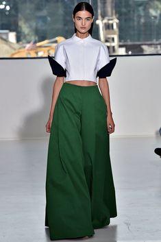 Delpozo Spring 2015 Ready-to-Wear Collection Photos - Vogue Estilo Fashion, Fashion Tv, Fashion Week, New York Fashion, Runway Fashion, High Fashion, Ideias Fashion, Fashion Show, Fashion Outfits