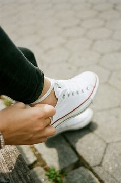 White Converse All Star. I Converse! Converse All Star, White Converse, Converse Classic, Converse Low, Converse Style, Converse Sneakers, White Sneakers, Looks Style, Style Me