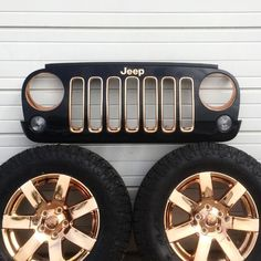 """b867a035abb ... on Instagram  """"What a phenomenal combo of BLACK and ROSE GOLD on this  Jeep!  petesrodnest strikes again with Cosmichrome spray technologies!  …""""  Chrome ..."""