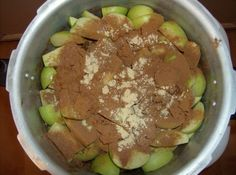 How to Make Applesauce in a Pressure Cooker