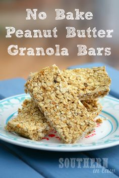 No Bake Peanut Butter Banana Granola Bars - these no bake granola bars use just FIVE ingredients and are so simple to make! They are also gluten free, low fat, clean eating friendly, sugar free and have a vegan option too!