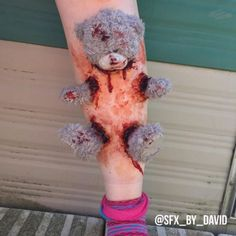 Makeup Artist Creates Gruesome Special FX That Will Make You Grin - Neatorama