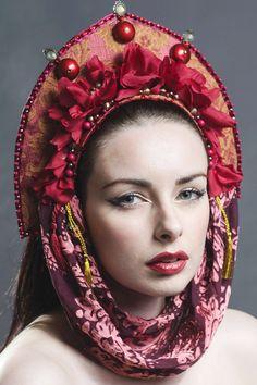 Couture rouge Princess of Arabia & or brocart par livfreecreations, £110.00