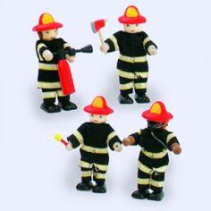 Houten #Brandweermannen 4-dlg komen met sirene aangereden wanneer er brand is en redden de andere popjes uit hun huizen en boerderijen.