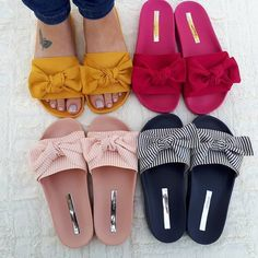 Cute beach sliders – Just Trendy Girls:, Shoes Flats Sandals, Slipper Sandals, Sandals Outfit, Shoe Boots, Sneakers Mode, Sneakers Fashion, Fashion Shoes, Style Fashion, Pretty Shoes