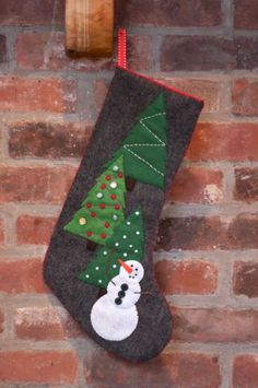 Tutorial: Snowman Stocking with Pattern for Craftzine.com | The Zen of Making  I think this is the one to make for Lily