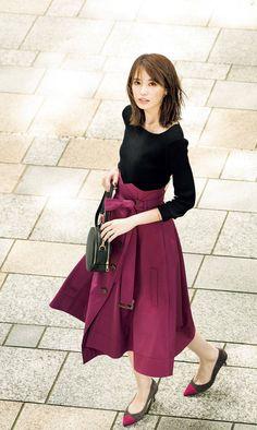 Women S Fashion Sneakers Cheap Pencil Skirt Casual, Pencil Skirt Outfits, Pencil Skirts, Pencil Dresses, Blazer Fashion, Skirt Fashion, Fashion Dresses, Stylish Summer Outfits, Japan Fashion
