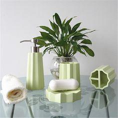 China Green Polyresin Bathroom Accessory