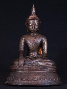 14-15e eeuwse Toungoo Boeddha uit Birma, Bhumisparsha Mudra, Toungoo stijl, gemaakt van brons, Antieke Boeddhabeelden
