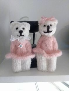 African comfort doll pattern by william willabond – Artofit I love knitting comfort dolls. Worry Dolls, Knit Or Crochet, Cute Crochet, Knitted Dolls, Crochet Dolls, Christmas Knitting Patterns, Crochet Patterns, Loom Knitting, Baby Knitting