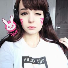 Hanna ( ⌒ ▽ ⌒ ) I did a costest for my D.va cosplay.. BUT I realized that I have to find lenses that don't show my blue eye color.. I had to edit my eyes here~ Do you guys know any lenses that dont show your natural eye color and are hazel brown NOT black alien cirlcle lenses? ; 3 ; But anyway, not gonna use this wig for the cosplay, it's just a test to see how I should do the makeup I guess ^^
