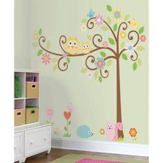 Vrolijke boom met diertjes en bloemen voor op de kinderkamer
