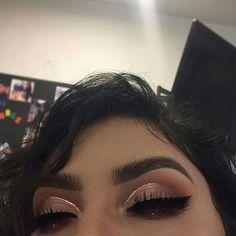 Gorgeous Makeup: Tips and Tricks With Eye Makeup and Eyeshadow – Makeup Design Ideas Makeup Eye Looks, Cute Makeup, Glam Makeup, Gorgeous Makeup, Pretty Makeup, Skin Makeup, Makeup Inspo, Eyeshadow Makeup, Makeup Ideas
