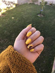 Installation of acrylic or gel nails - My Nails Summer Acrylic Nails, Best Acrylic Nails, Summer Nails, Spring Nails, Sunflower Nail Art, Yellow Nail Art, Nagellack Design, Aycrlic Nails, Coffin Nails