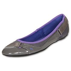 The Puma Bixley Patent Mesh Causal Shoes are perfect for when you want a pair of casual shoes that are sporty, yet still appropriate to be worn for nice dinner, office meeting, or heading out downtown. You'll stay comfortable without dressing down your outfit.   Besides their cute ballerina-flat look, they have a patent leather upper, strap details at the toe and heel, and a grippy rubber outsole for better durability and added traction.   They're also super comfortable with ...