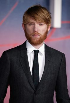"Domhnall Gleeson at the UK premiere of ""The Revenant"" on January 2016 in London. Beautiful Boys, Gorgeous Men, Domhall Gleeson, Actors Male, Hollywood Gossip, Historical Romance, Celebs, Celebrities, Movie Stars"